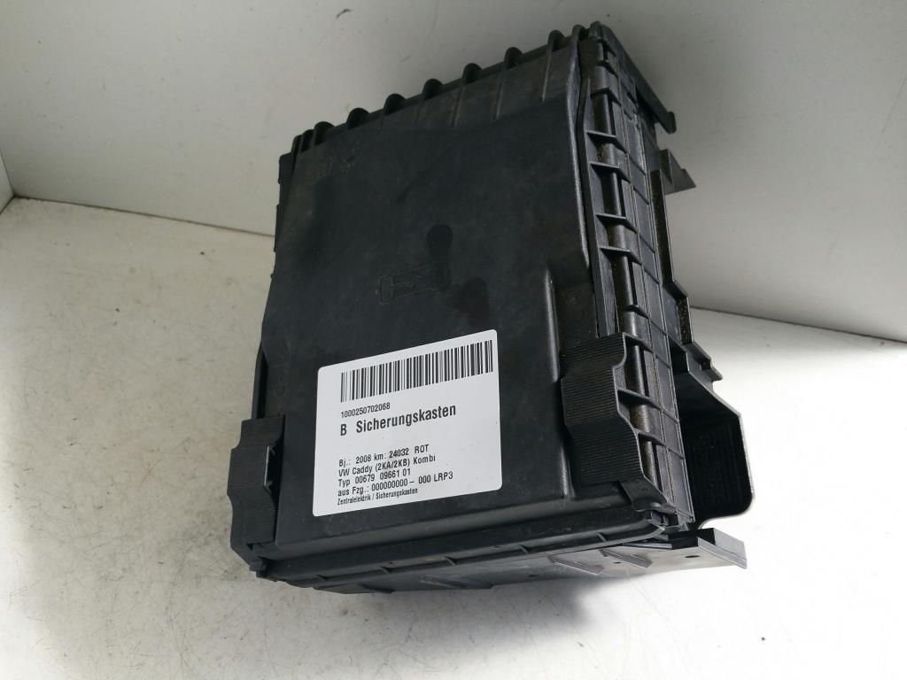 VW Caddy 2K Bj.08 orig. Sicherungskasten Zentralelektrik 3C0971249