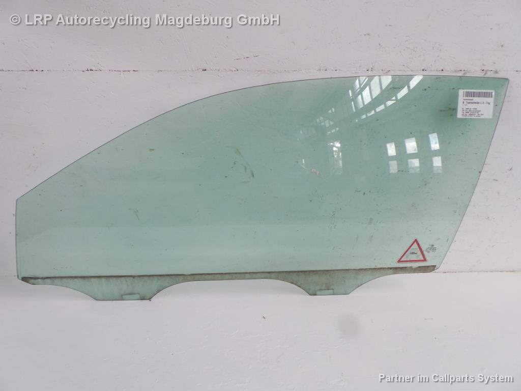 VW Polo 9N3 Bj.05 3-trg. Seitenscheibe Türscheibe vorn links grüncolor