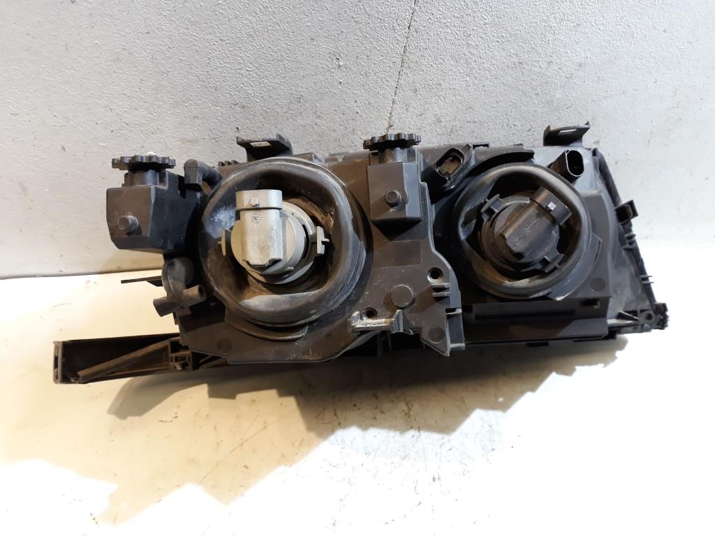 BMW 3er E46 BJ 2000 Scheinwerfer vorn links Lampe 63126906493