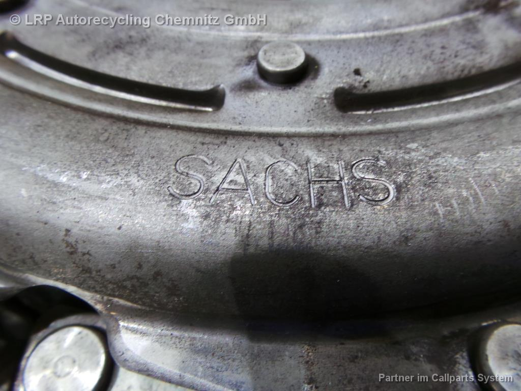 Seat Altea 5P BJ 2007 Zweimassenschwungrad Kupplung 2.0TDI BMM SACHS 1878005146 TYP M240E