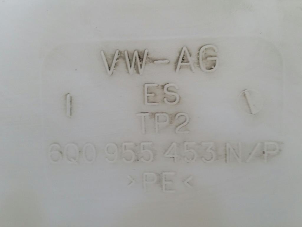 VW Polo 9N Bj.04 orig. Wischwasserbehälter 6Q0955453N/P