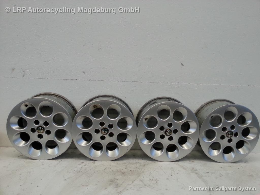 Alfa Romeo 156 Satz original Alufelgen 6.5x15 ET41.5 Felgen
