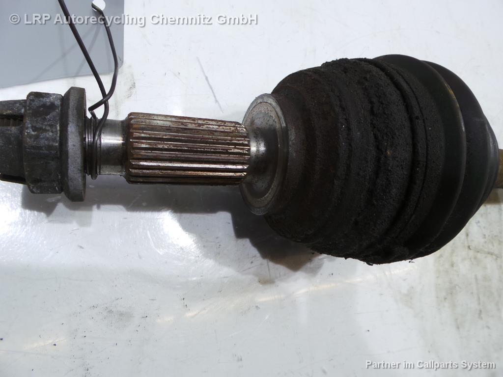 Renault Megane II Bj.2003 Antriebswelle links 1.4 72kW ABS Gelenkwelle