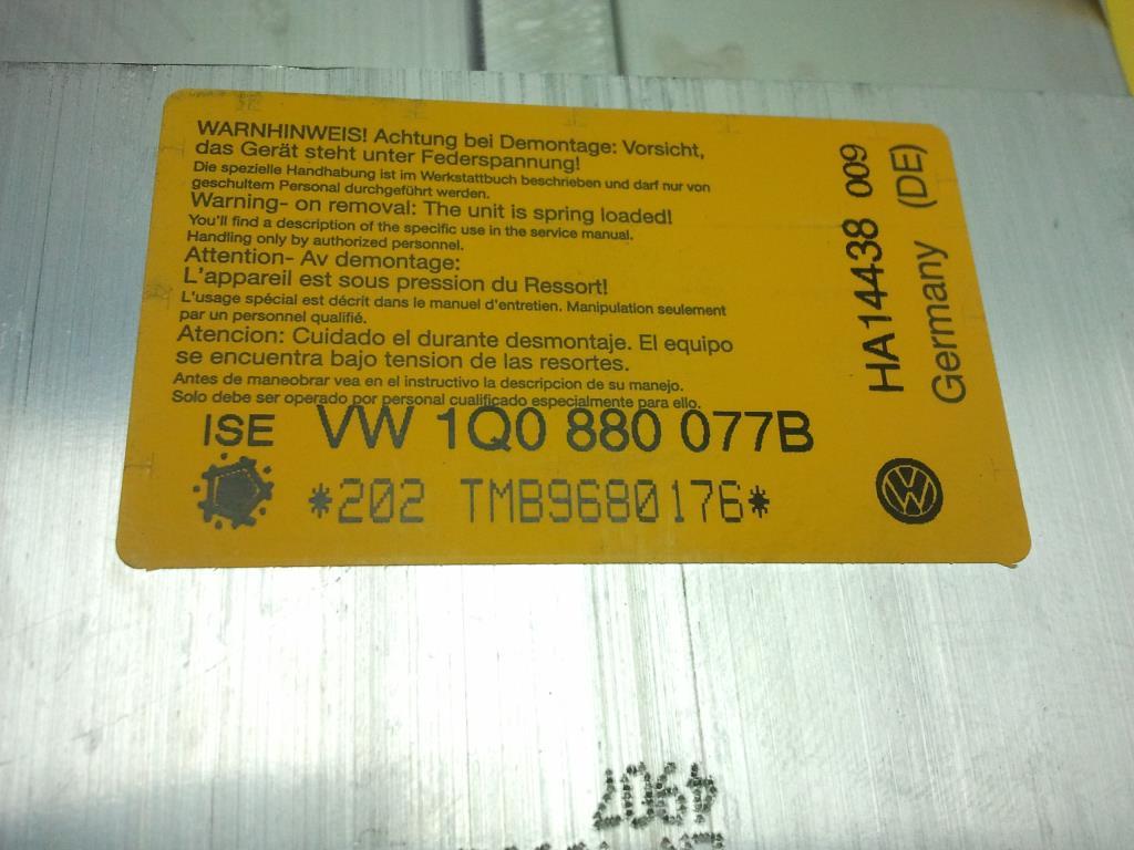 VW Eos 1F BJ2008 Ueberrollschutz links unfallfrei 1Q0880077B