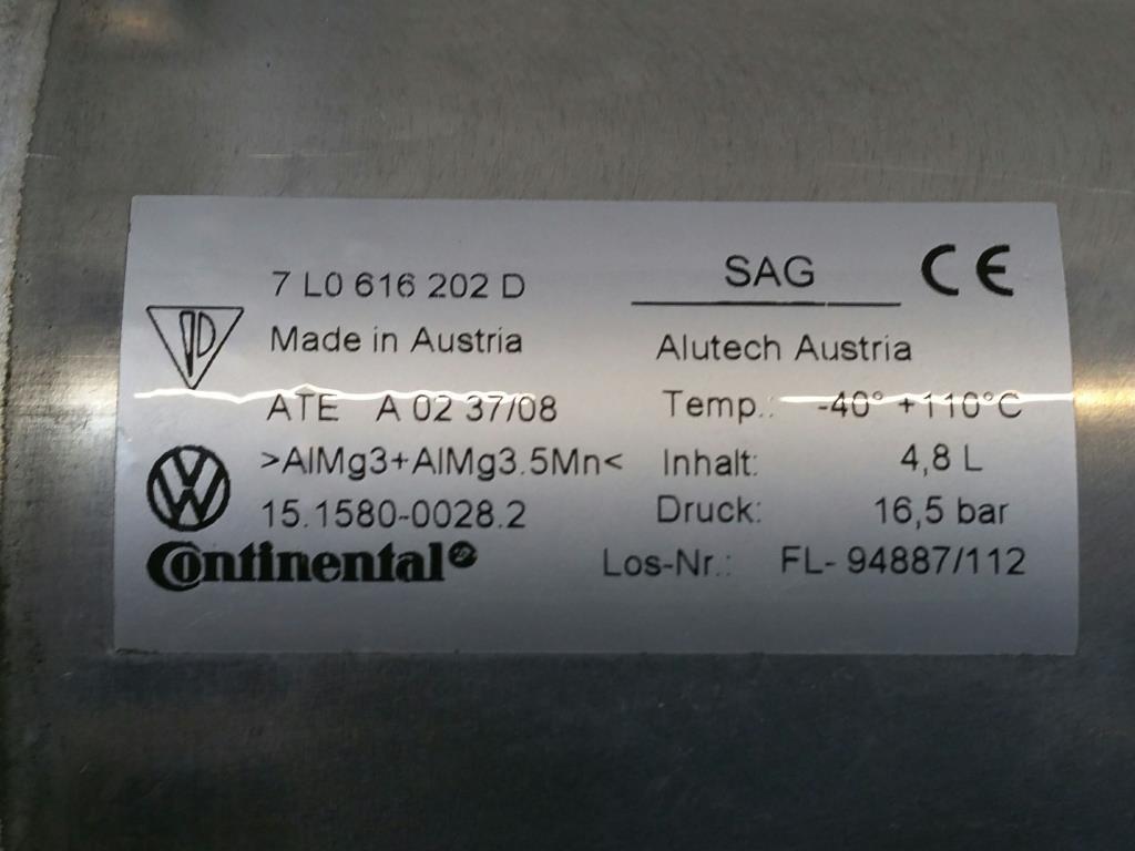 VW Touareg 7L Bj.09 orig. Druckspeicher Luftfahrwerk 7L0616202D