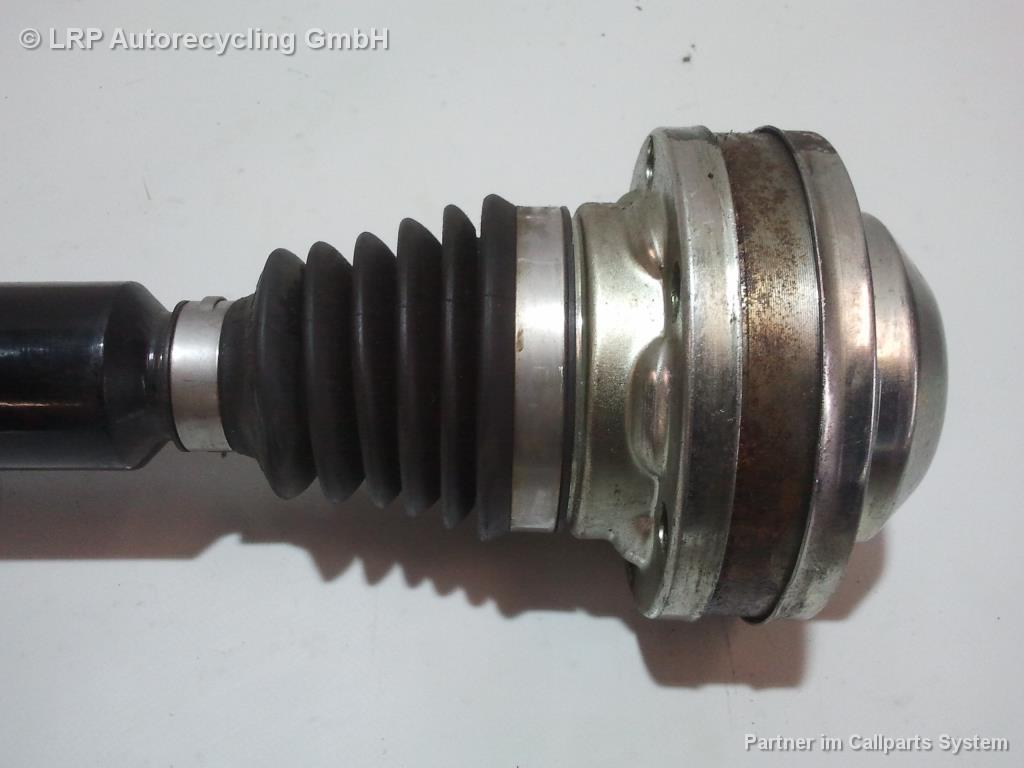 Skoda Fabia 2 1,4 63KW Bj.2011 Gelenkwelle Antriebswelle 6R0407764E vorn links