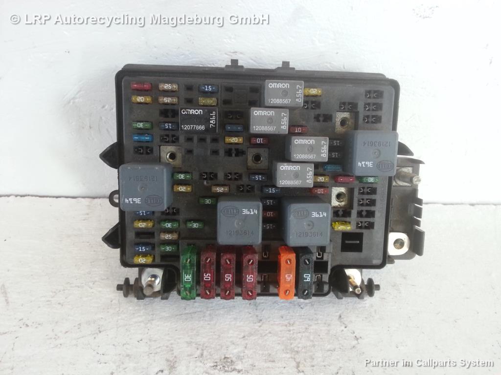 Chevrolet Tahoe GMT820 Sicherungskasten 121936645-09 5.3 V8 Vortec