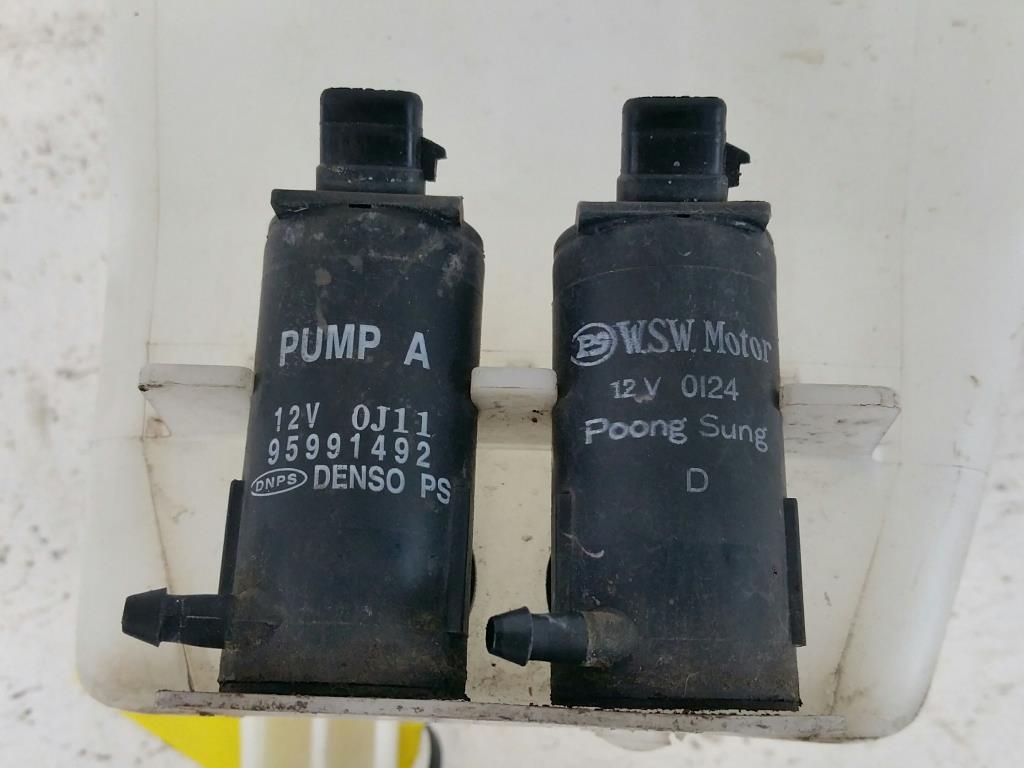 Chevrolet Aveo T250 Bj.11 orig. Wischwasserbehälter 2 Pumpen