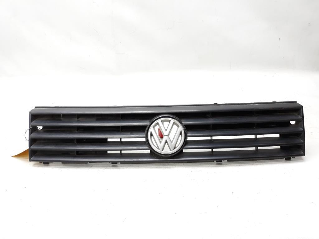 VW Polo 86C Baujahr 1992 Kühlergrill mit Emblem