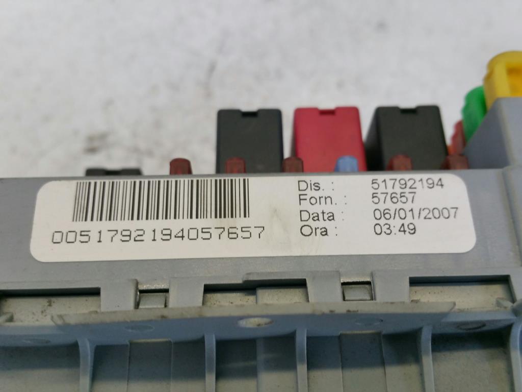 Lancia Ypsilon 843 Bj.07 Sicherungskasten 1.2 44kw *188A4000* 51792194