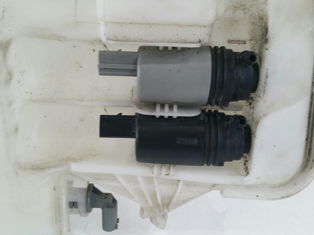 BMW 3er E90 E91 orig. Wischwasserbehälter 2 Pumpen 7068998