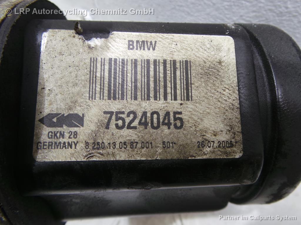 BMW X3 E83 BJ 2005 Antriebswelle vorn links Gelenkwelle 2.0D 110KW 7524045